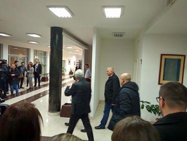 ФОТО : Али Ахмети прв на лидeрска , Мицковски задоцни 10 минути