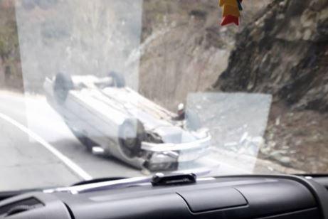 ФОТО : Се преврте автомобил кај Костурино, струмичко