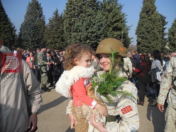 Ана од Кавадарци, војник доброволец, мајка на 3,5 годишна ќерка