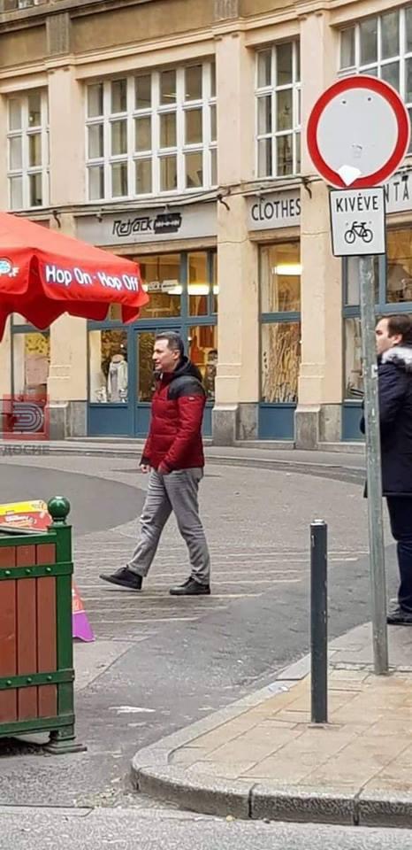 """""""Бев да се лекувам,а не да се гледам со Груевски"""", одговори човекот на првата фотографија од Груевски во Будимпешта"""