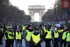 """Француските војници утре ќе смеат да пукаат врз учесниците на протестот на """"жолтите елеци"""""""