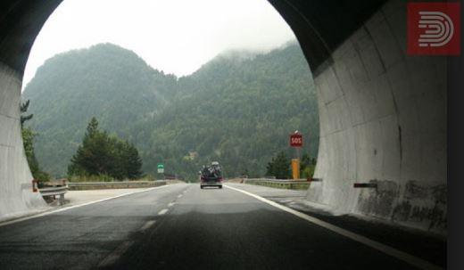 Затворен дел од автопатот Велес – Скопје , винамтелно возење
