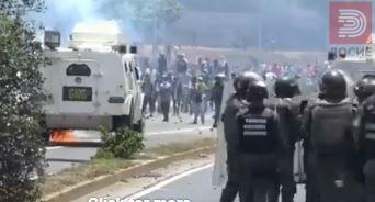 ВИДЕО Венецуела – војската на улица гази луѓе