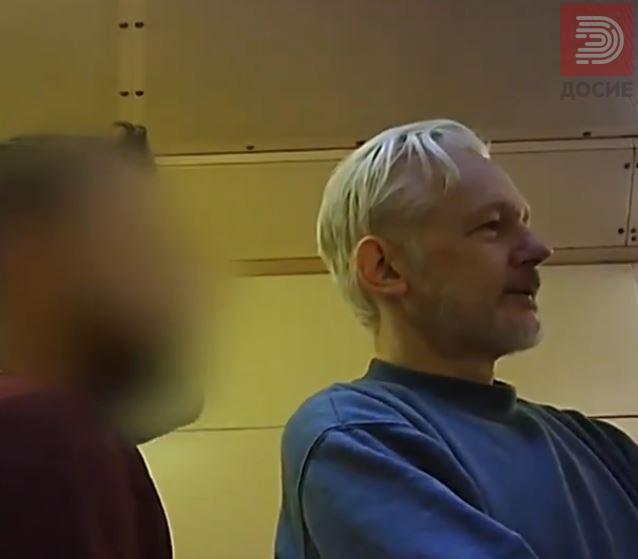 ВИДЕО: Прво видео на Асанж, видно ослабен и истоштен