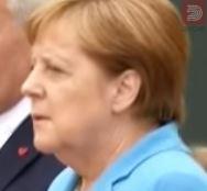 Експерт за читање од усни открива што повторува Меркел во тек на напад на тресење