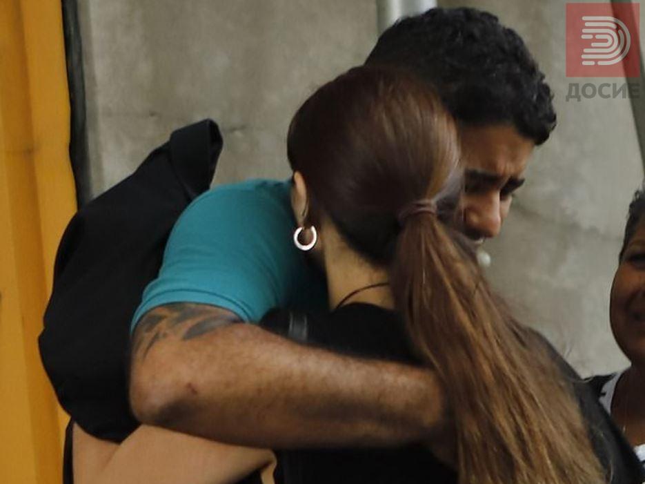 Видео: Таткото што ги заборави близнаците во автомобил пуштен од притвор