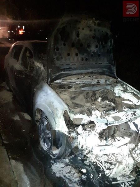 Запалените автомобили на синот и таткото функциoнери од СДСМ не биле паркирани една до друга
