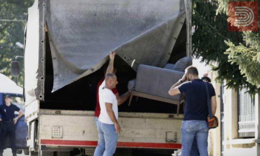 Обвинение за Рекет: Од парите од Камчев Катица зела кауч, двосед,фотељи и 50 илјади евра, Боки се луксузирал