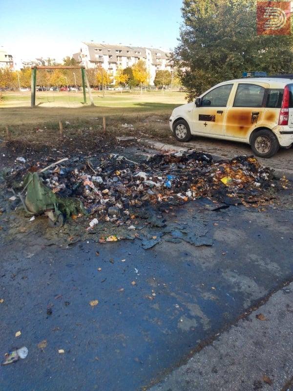 ФОТО: Запалени 8 нови контејнери, оштетени и возила