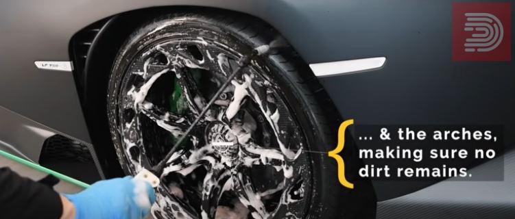 Видео: Како се перат најскапите автомобили