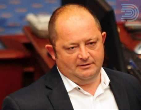Крсто Мукоски доби аплауз во Собрание – За несвесната грешка за 27-април си го одлежав своето