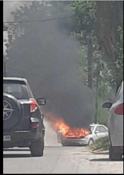 Фото: Изгоре кола во Сопиште
