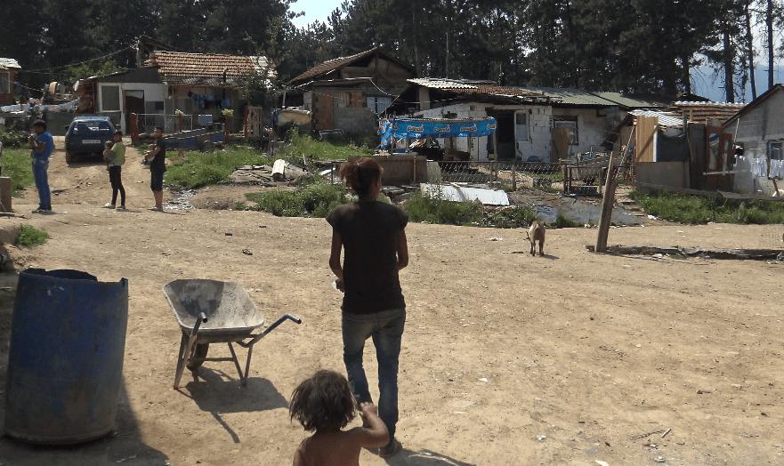 ХЕРА: Институциите на терен да им помогнат на Ромките да ги обезбедат документите за финансиска помош од државата (HERA: Institucionet në teren t'u ndihmojnë romeve të sigurojnë dokumentat për ndihmë finansiare nga shteti)