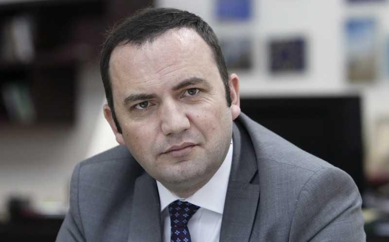 ДУИ го заборави премиерот Албанец