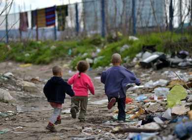 Ромите дома и во регионот:  помеѓу егзистенцијалната и здравствената ковид криза