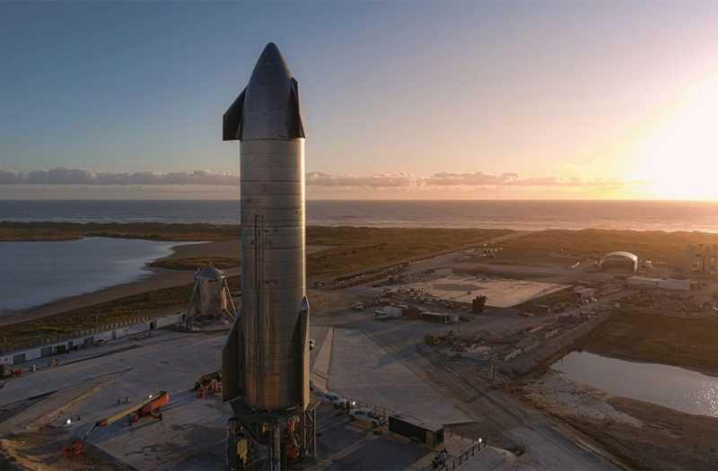 (Видео) Експлодира прототип на ракетата за пренесување луѓе и 100 тони товар во идните мисии на Месечината и Марс